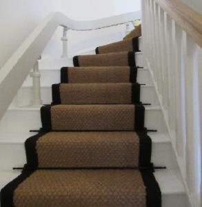 Coir-panama-natural-stair-runner-black-border-293x300(1)