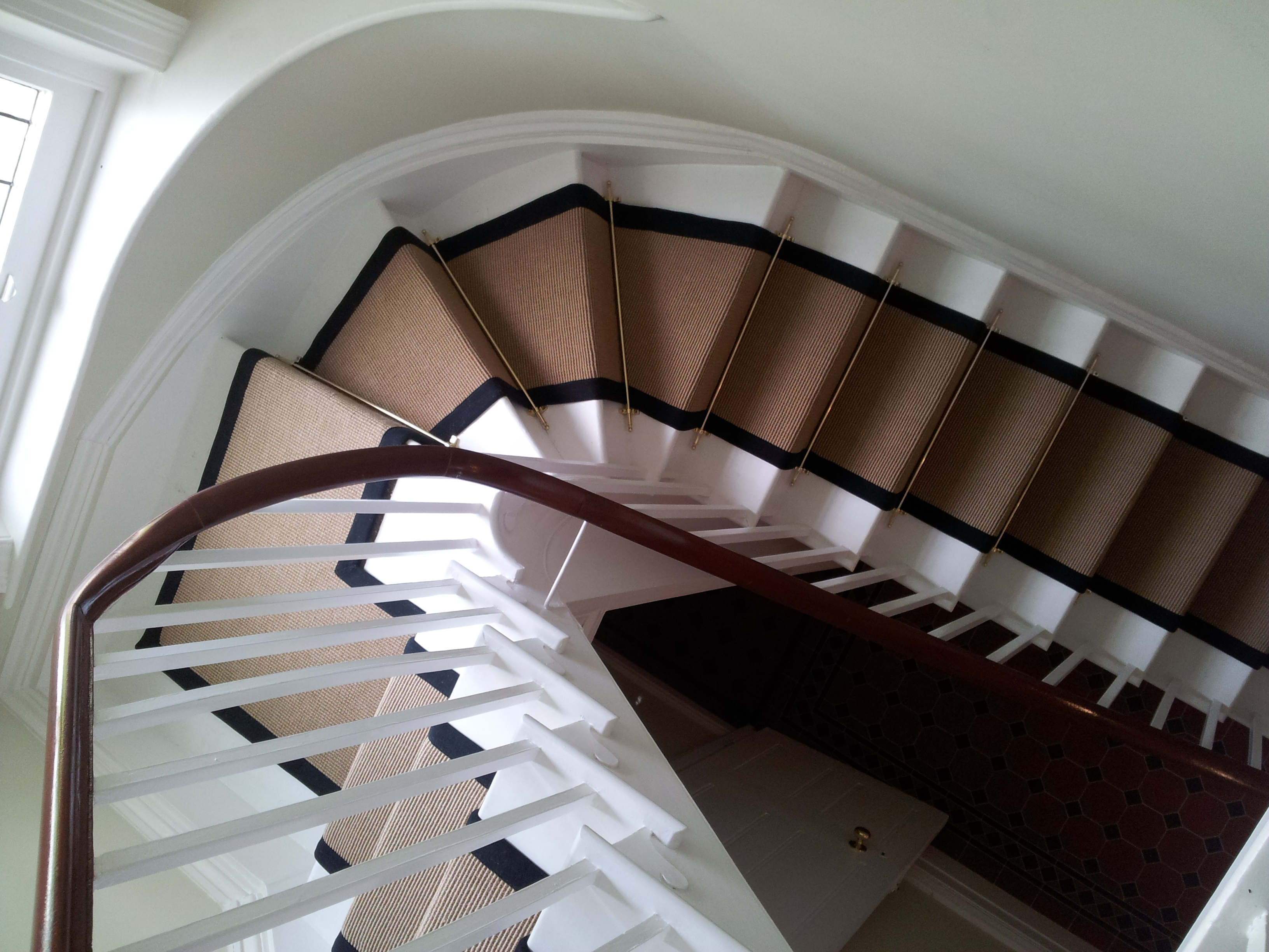 Elegant Jute Boucle Stair Runner In Full Stair