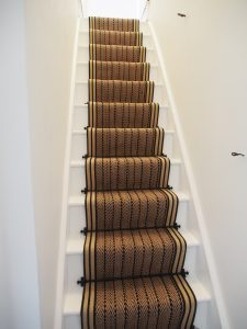 staircase runner fitting-herringbone twill with striped border