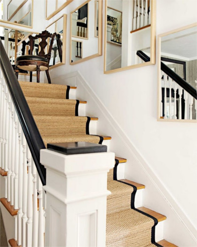 Black border used as an accent to match handrail.